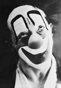 Head and shoulder portrait of clown. © Bettmann/CORBIS, Cerca de 1910